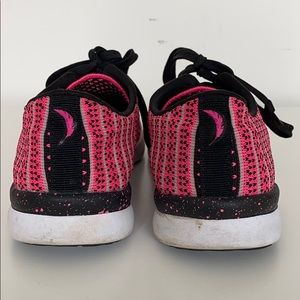 Jessica Simpson Shoes - Jessica Simpson Fitt Walking Fashion Sneakers